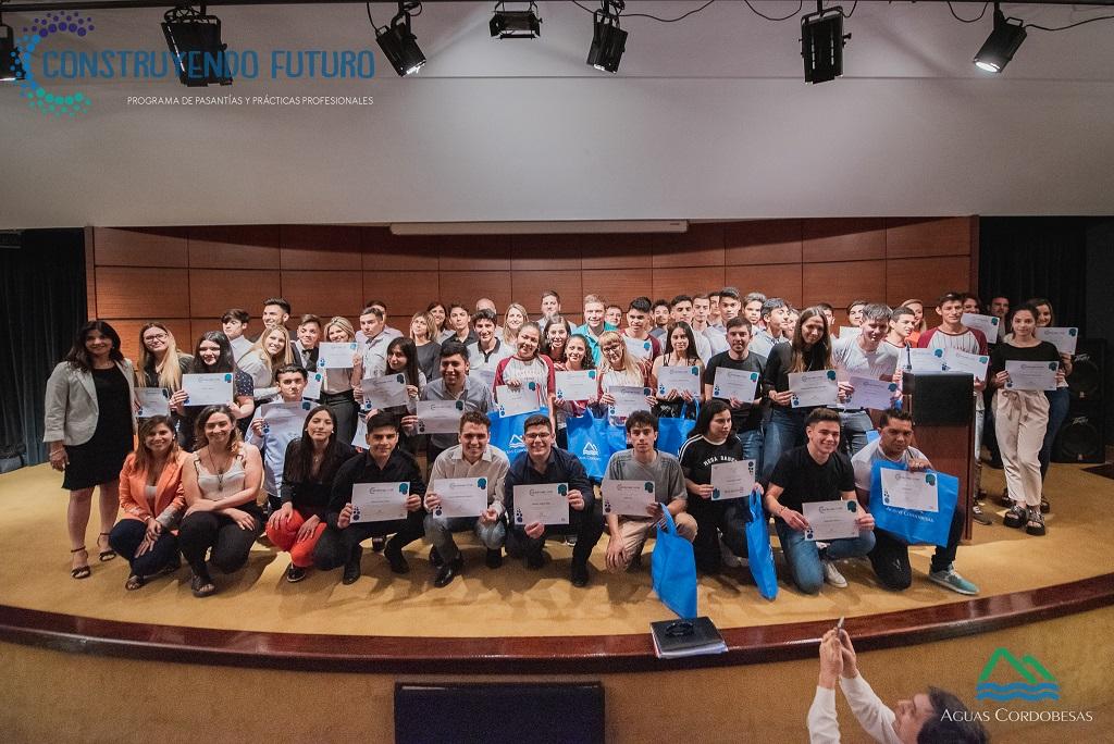 67 jóvenes motivados por la práctica profesional