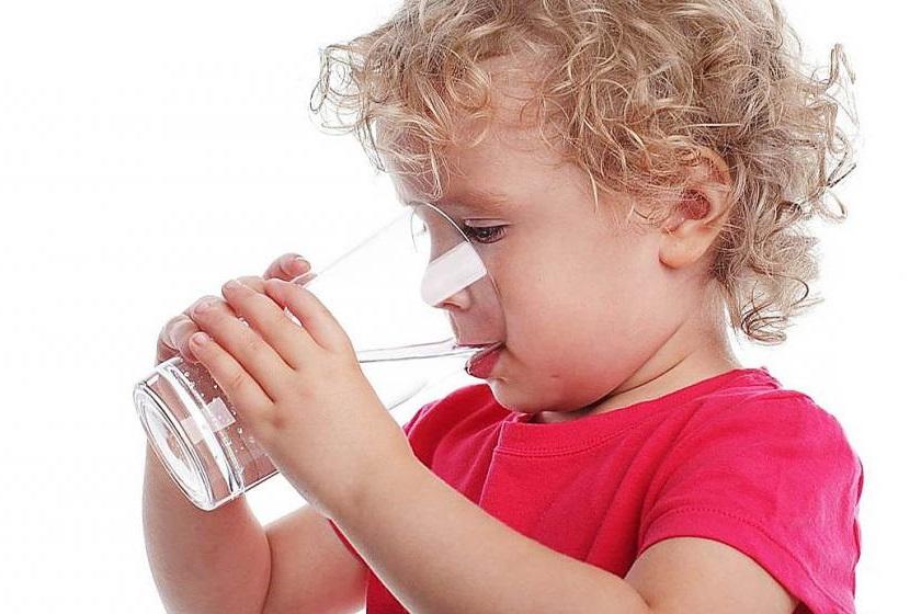 ¿Por qué consumir agua de la canilla?